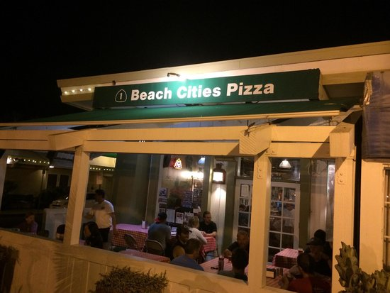 Beach Cities Pizza: Exterior at night