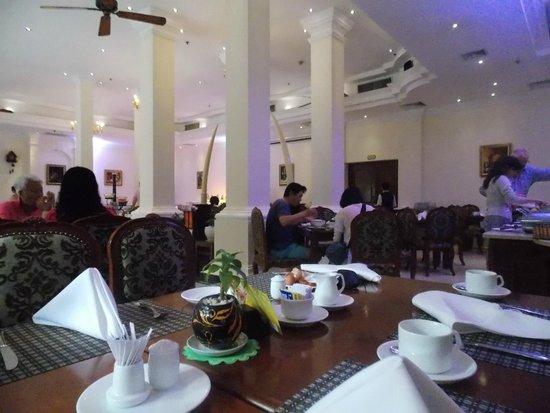 Grand Hotel Saigon: Breakfast