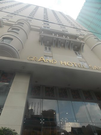 Grand Hotel Saigon : Outside view of the Hotel