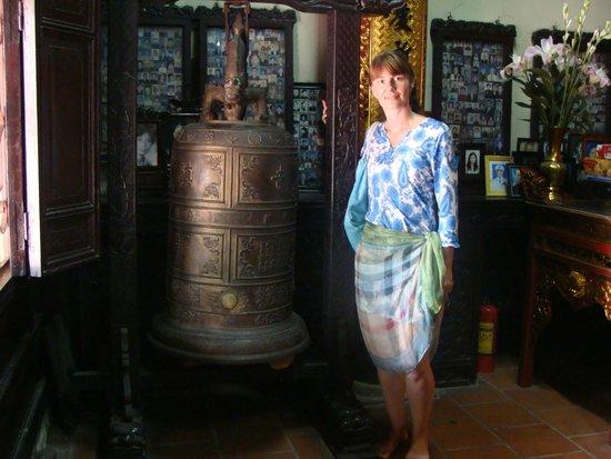 Chua Tran Quoc: колокол без языка