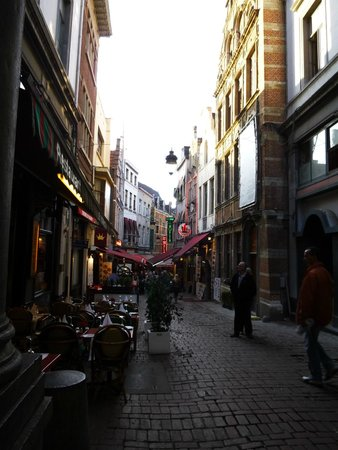 Les Galeries Royales Saint-Hubert : Mais lojas