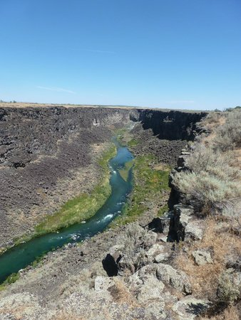 Malad Gorge State Park: the river below in the gorge