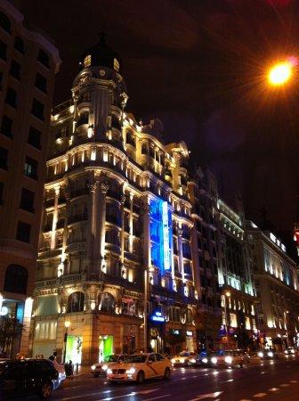 Tryp Madrid Plaza Espana Hotel: Vista da Gran Via