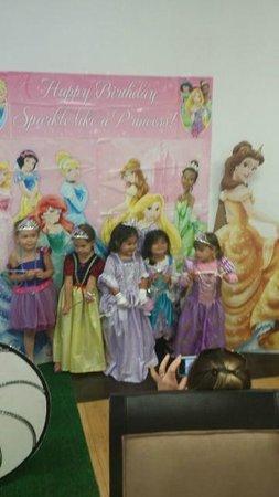 Miss Gloria's Tea House: Viviana's 4th Princess Birthday Tea Party