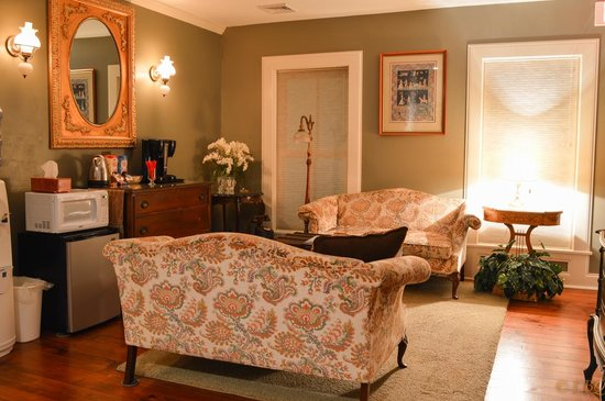 Homestead House Bed & Breakfast: Tea and coffee room
