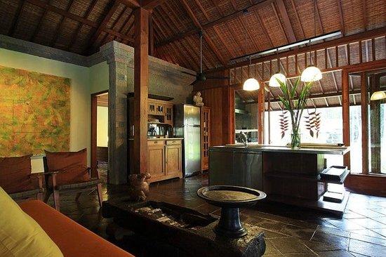 Puri Tupai : kitchen area