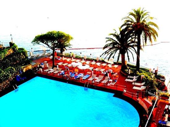 Hotel Cenobio Dei Dogi: бассейн
