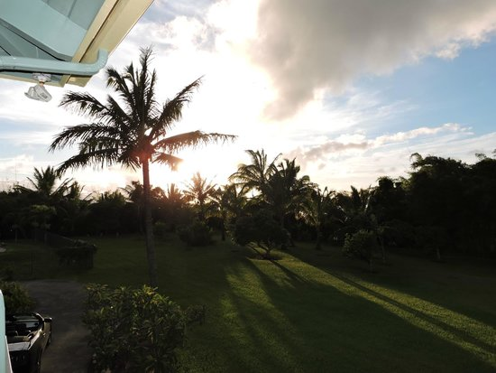 Maui Ocean Breezes : beautiful sunset