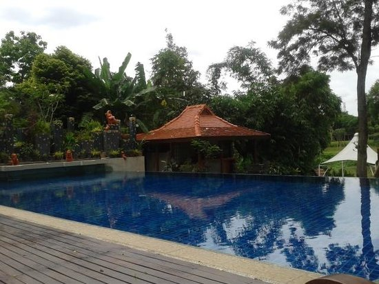 Lanna Dusita Boutique Resort by Andacura: swimming pool
