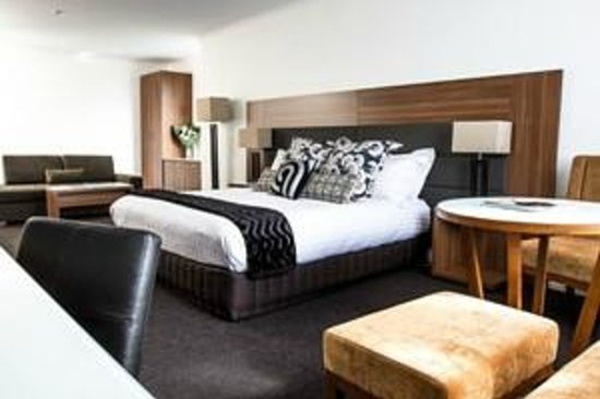 Lenna of Hobart: Harbour View King Suite