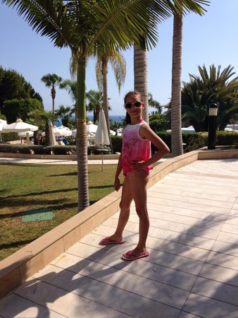 Mediterranean Beach Hotel: Наша девочка в восторге