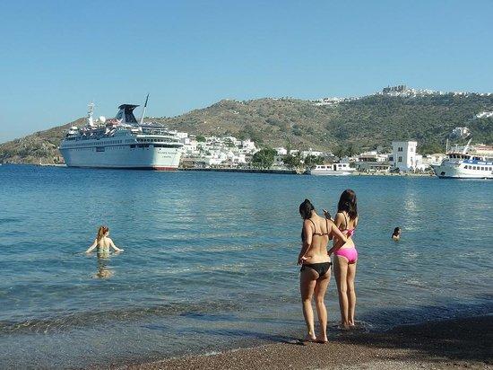 Walking in Patmos: 港から歩いて5分