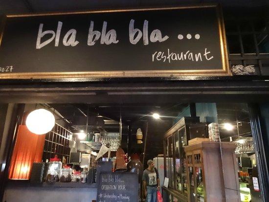 Bla Bla Bla: Entrance