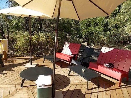 Evergreen Lodge at Yosemite : sun deck