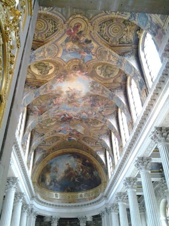 La Chapelle Royale : Up a level and looking across