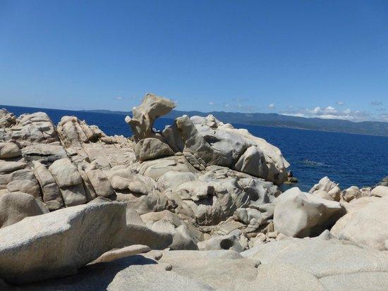 Tour Genoise : plage en contrebas