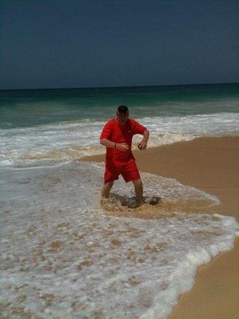 Hotel Riu Touareg : havin a paddle