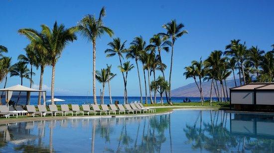 Andaz Maui At Wailea : Pool side