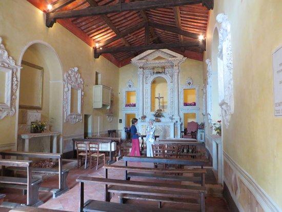 B&B La Canonica di San Michele: Church Interior