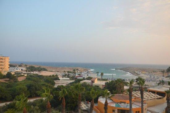 Tasia Maris Beach Hotel: Вид с балкона