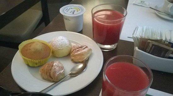 Holiday Inn Naples : Colazione a buffet ottima!