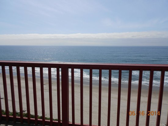 Nordic Oceanfront Inn : View from the balcony
