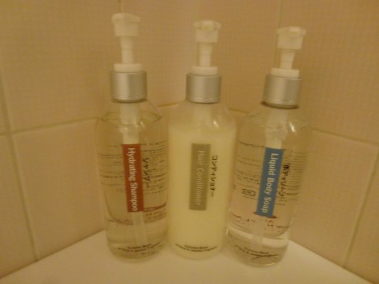 ANA Crowne Plaza Hotel Narita: amenities for the shower or bath