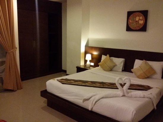 Garden Phuket Hotel: Hotel room