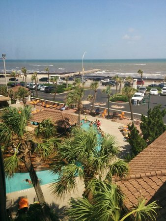 Hilton Galveston Island Resort : Pool and beach from the left.
