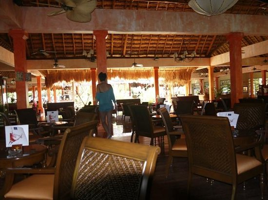 Iberostar Quetzal Playacar: Uno de los bares cerca de la recepción.