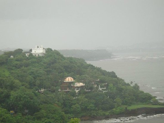 Fort Aguada: View from the south end