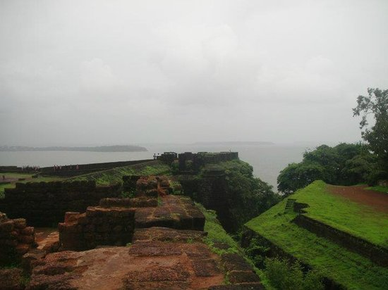 Fort Aguada: View from the east corner of the wall