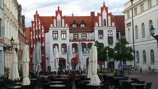 Steigenberger Hotel Stadt Hamburg: на площади