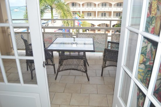 Sandals Inn: view of balcony