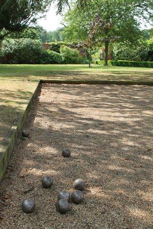 Stapleford Park: Boules