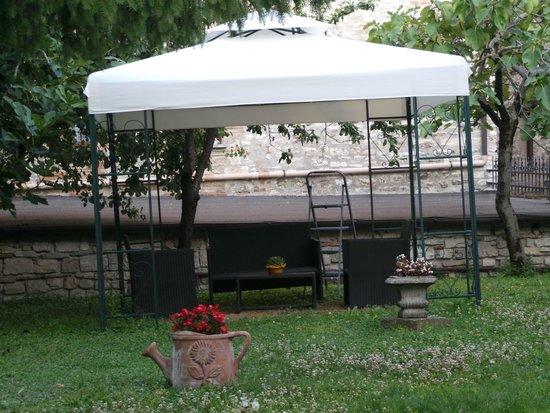 Residenza di Via Piccardi: Giardino