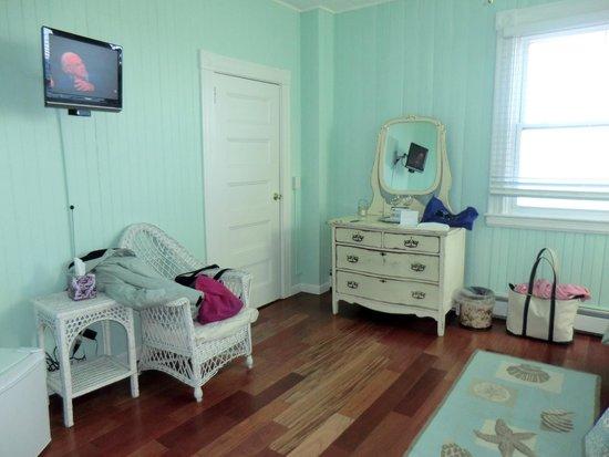 Isabelle's Beach House: #1 Town Beach