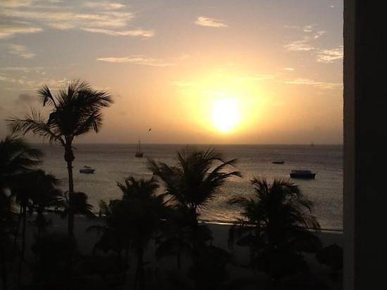 Hotel Riu Palace Aruba: sun set amazing