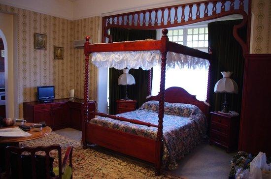 Windmill Hill Lodge: Room