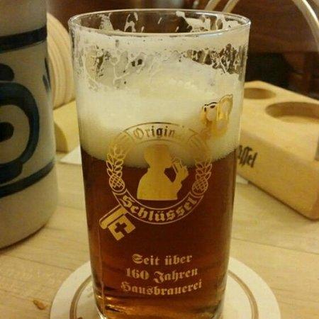 Hausbrauerei zum Schlussel : Пиво