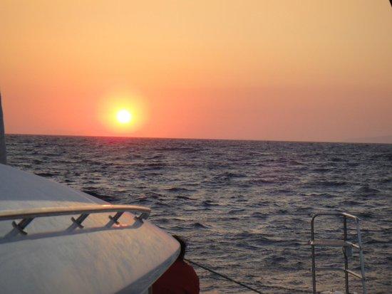 Sunset Oia Sailing - Day Tour: Sunset Oia on Sunrise Catamaran