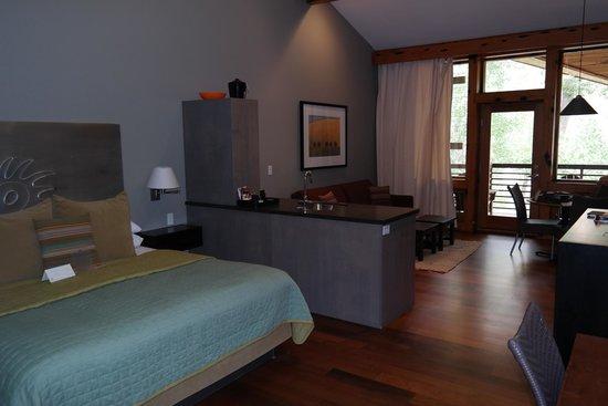 Desert Pearl Inn : Our Room