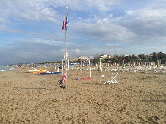 Hotel Capitano: spiaggia tortoreto