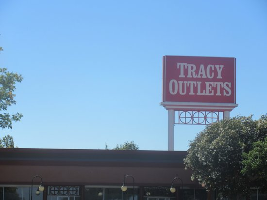 Tracy Outlet Center, Tracy, Ca
