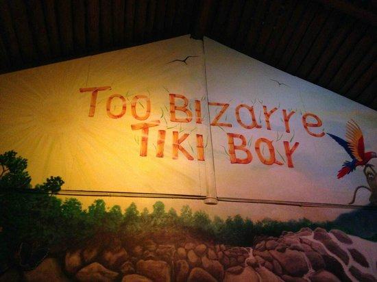 Too Bizarre Tiki Bar: tiki bar