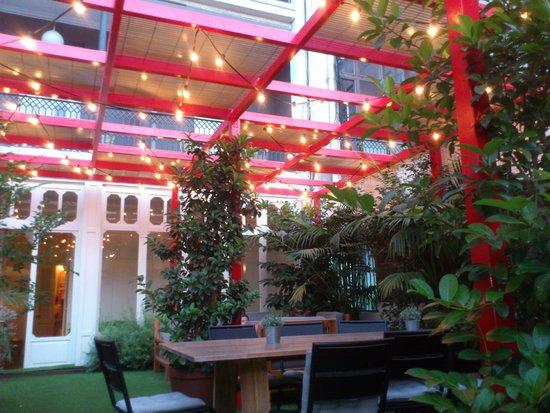 Praktik Garden: giardino interno
