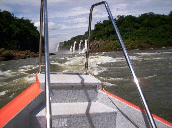 Cataratas del Iguazú: cataratas desde el río 2