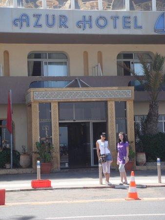 Hotel Azur: вход