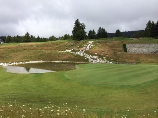 Golf Club Crans-sur-Sierre : nouveau par 3 et gradins