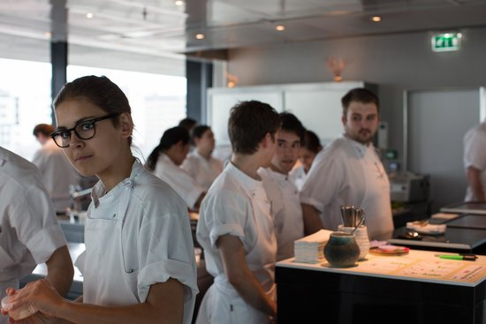 Maaemo: Busy kitchen